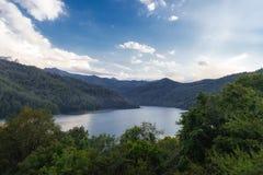 看法向高地湖汉拉尔在阿塞拜疆 免版税库存图片