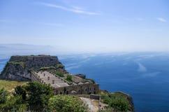 看法向从老堡垒的海在科孚岛海岛,希腊 免版税库存图片