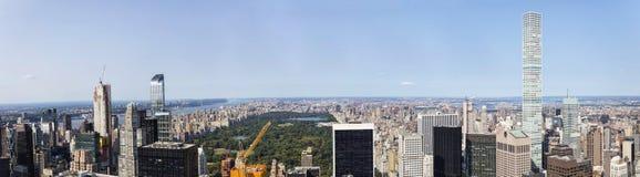看法在中央公园和曼哈,纽约,美国 免版税库存照片