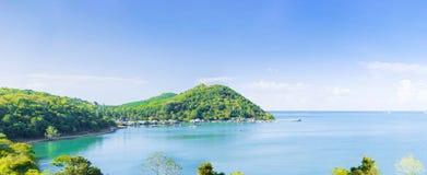 看法海和天空全景在镇静天 免版税库存照片