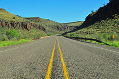 看法的看法在开放高速公路Reminiscient 免版税库存照片