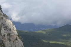 看法,当攀登山时 免版税库存图片