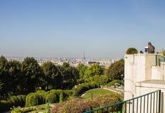 巴黎看法从Parc de贝而维尔的 免版税库存照片