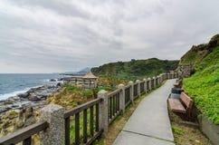 看美好的岩层的路线在和平海岛 免版税库存图片
