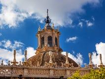 看见塞维利亚西班牙的圣玛丽圆顶大教堂  库存图片