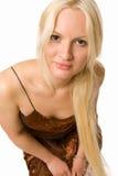看起来平直的妇女的美丽的金发碧眼的女人您 免版税库存照片