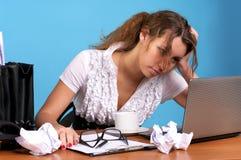 看起来疲乏的妇女的商业 免版税库存图片