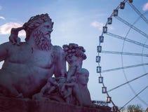 看轮子,在列斯Tuileries巴黎的sculture 免版税库存图片