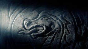 看龙雕刻与火炬的某人 影视素材