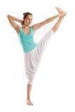 年轻真正瑜伽辅导员实践 免版税图库摄影