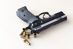 真正的手枪pistole被隔绝的9mm 免版税库存照片