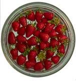 真正的草莓在水中 免版税库存照片