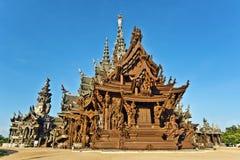 真相和公园圣所在芭达亚在泰国 免版税图库摄影