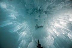 眩晕的冰柱 免版税图库摄影