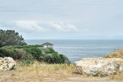 眺望台俯视的海洋 图库摄影