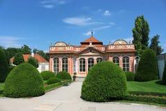 眺望台在Czernin宫殿庭院里  图库摄影