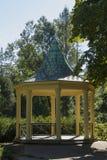 眺望台在Tyrs集合的一个公园 免版税库存图片