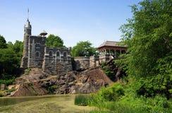 眺望楼城堡中央nyc公园 库存图片