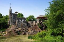 眺望楼城堡中央nyc公园 库存照片