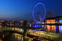 眼睛伦敦晚上河泰晤士 库存照片