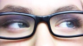 眼睛和玻璃 股票视频