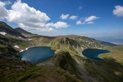 眼睛和Kidney湖,七个Rila湖,保加利亚的风景 库存照片