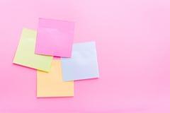 黏着性笔记岗位颜色 免版税库存图片