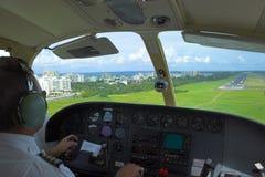 着陆飞行员 免版税库存图片