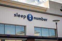 睡眠数字商店前面 免版税库存图片