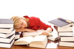 睡着的书妇女 库存照片