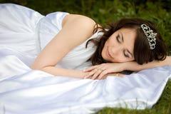 睡着的美丽的妇女 免版税库存图片