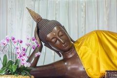 睡觉菩萨雕象 图库摄影
