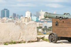 瞄准市哈瓦那的老大炮 库存照片