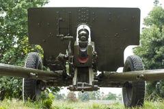 瞄准的和收费系统76 mm开枪& x28;ZIS- 3 & x29; 免版税库存图片