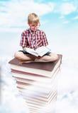 知识,教育概念塔  免版税库存照片