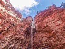 短号在碲化物,科罗拉多的小河秋天 库存图片