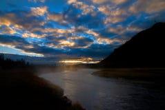黄石国家公园麦迪逊河在清早 免版税库存图片