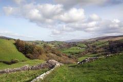 石块墙在威尔士 图库摄影