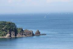 石块海岛 免版税库存图片