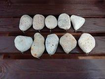 石坠子钓具调色板装饰品 免版税库存图片