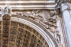 石天使塞普蒂米乌斯・塞维鲁曲拱罗马广场罗马意大利 免版税图库摄影