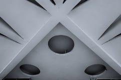 石天花板的建筑学元素特写镜头  建筑学都市最低纲领派背景 黑白处理 库存照片