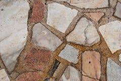 石头墙壁,石墙,大理石,灰色颜色花岗岩纹理在一个夏日 免版税库存照片