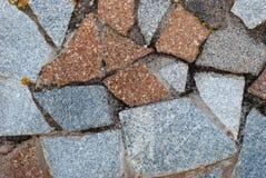 石头墙壁,石墙,灰色颜色花岗岩纹理在一个夏日 免版税库存图片