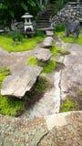 石头跨步导致台阶 库存图片