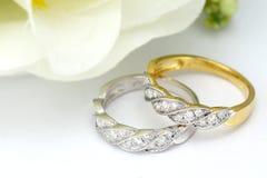 钻石婚圆环 免版税库存照片