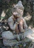 石守卫寺庙的睡觉巨型雕塑 免版税库存照片