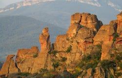 石峭壁和岩石在贝洛格拉奇克,日落的保加利亚 库存照片