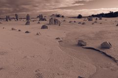 石峰在Nambung国家公园,西澳州离开 免版税库存照片