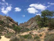 石峰有树和云彩的国家公园大砍刀里奇 库存图片